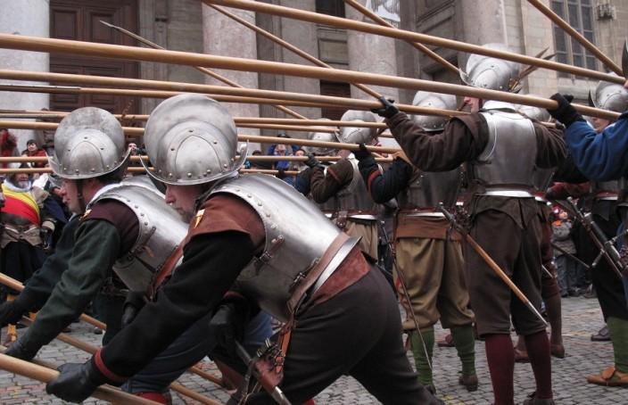 como crear peleas increibles varas alabardas